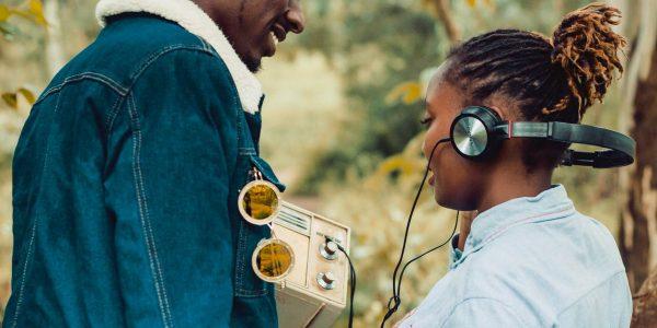 escuchar estaciones radiales en Estados Unidos en español